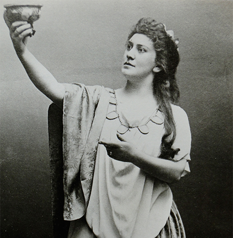 Lillian as Isolde